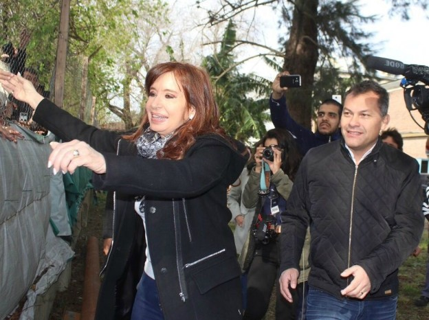 CFKyWalterFestasaludandoalosvecinosdeMoreno